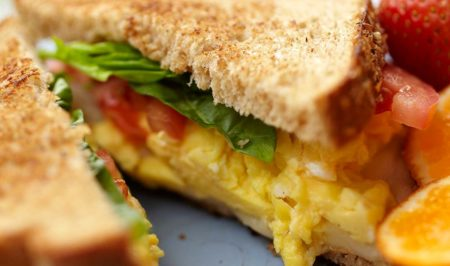 Easy Sandwich with Scrambled Eggs